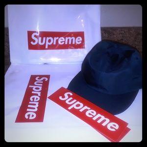 Navy blue Supreme hat 12/06/2018 release